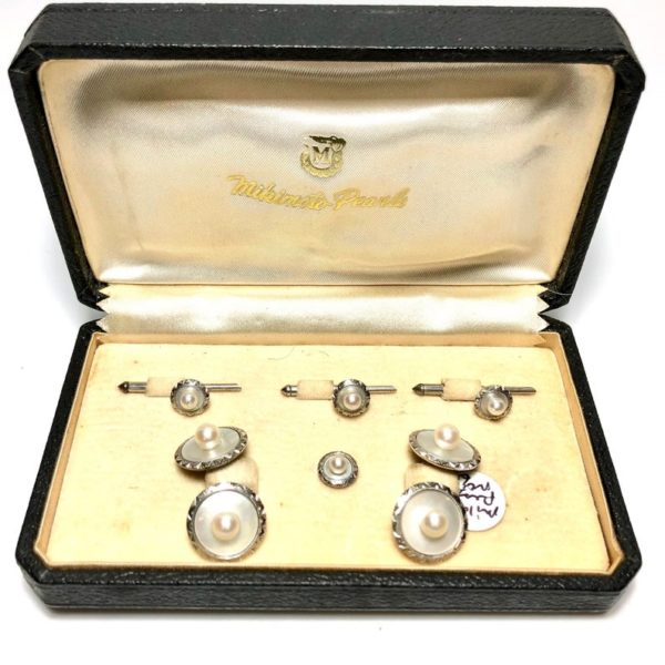 Mikimoto Mother Of Pearl Stud Set 3D